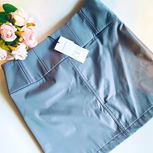 NWT Zara trendy Chic TECHNICAL MINI SKIRT Size L